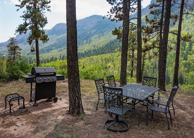 Additional outdoor seating and BBQ Grill (with more views)