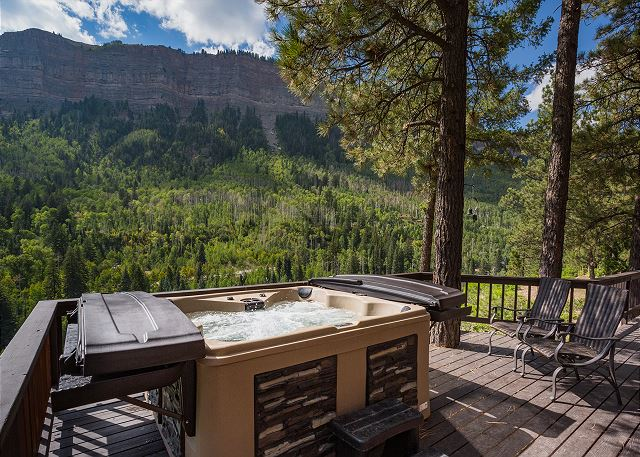 Brand new hot tub installed July 2021