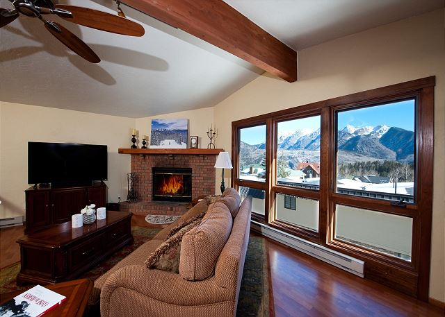 Affordable Ski in/Ski Out Condo - Awesome Views