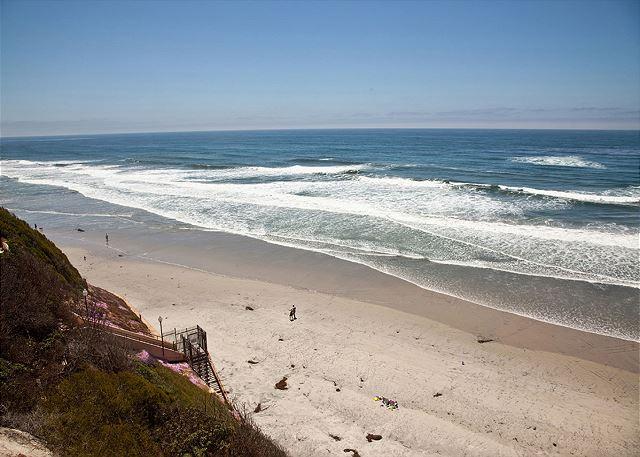 1br Beachy Oceanfront Condo Dmbc831b Dave Stubbs