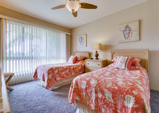 Guest Bedroom #2 - 2 Twin Beds