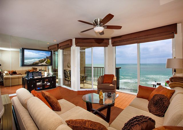 Gorgeous oceanfront living room