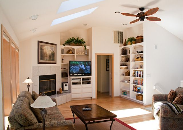 Upstairs living area, light, bright and comfortable.