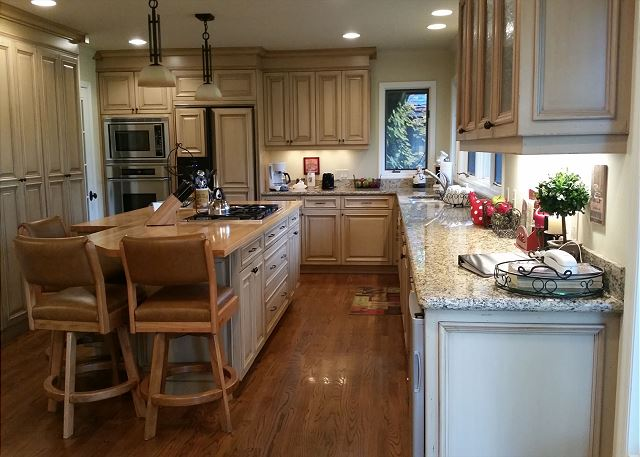 Entertaining a dream in this beautiful and well equipped kitchen.