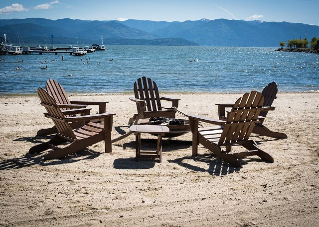 Seasons at Sandpoint - Fire Pit