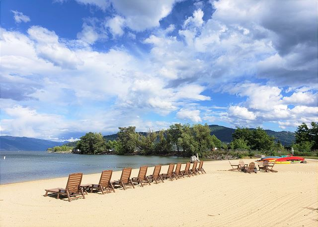 Seasons at Sandpoint - Private Beach