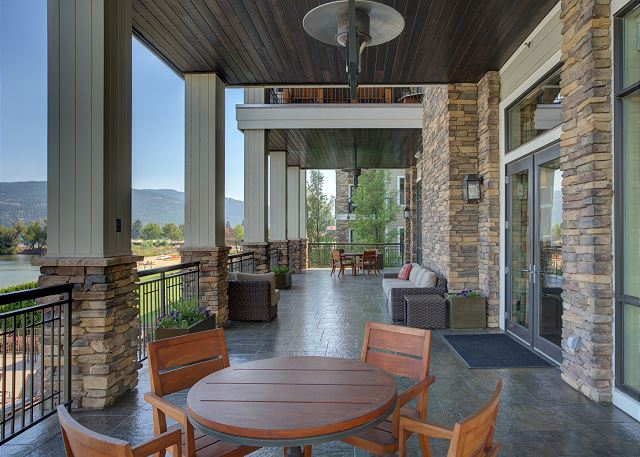 Seasons at Sandpoint - The Retreat, Pool Side