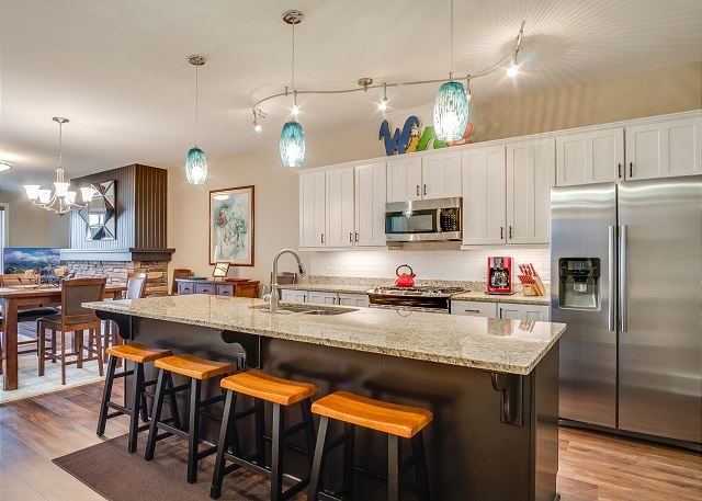 Condo 124 - Fully Furnished Kitchen with Breakfast Bar