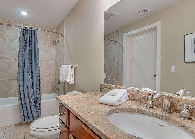 Condo 124 - Guest Bath with Tub