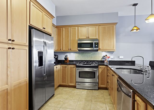Condo 7205 - Fully Furnished Kitchen