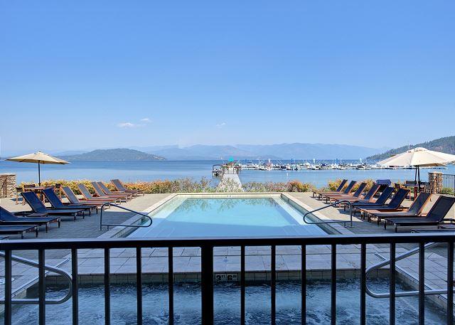 Seasons at Sandpoint - Pool Deck Views