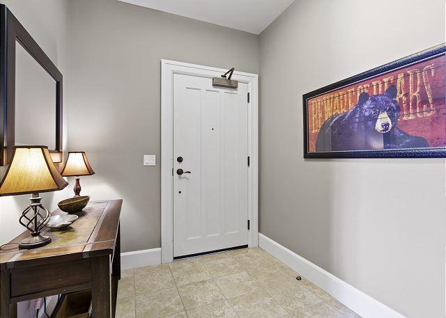 Condo 7205 - Foyer