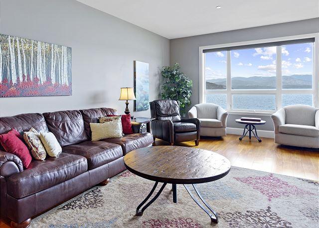 Condo #7205 - Living Room with Lake Views