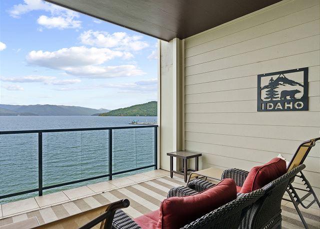 Condo 7205 - Balcony Marina View