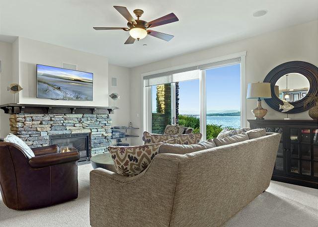 Townhome 508 - Main Living Room