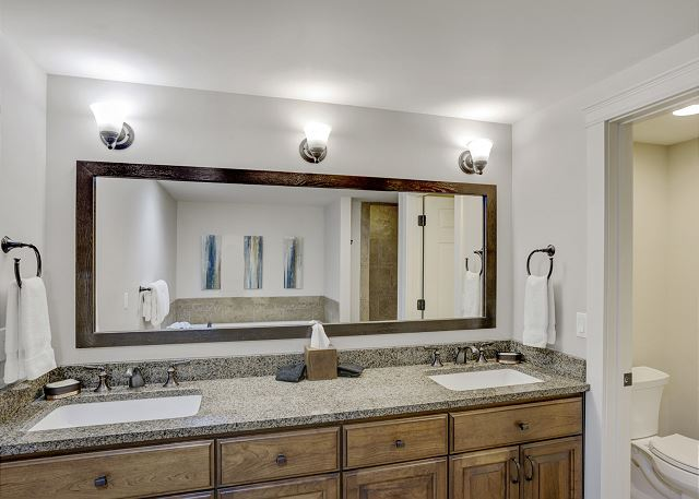 Townhome 508 - Guest Bath with Double Basin Vanity