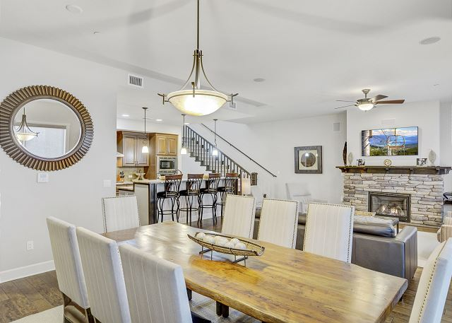 Townhome 508 - Dining Space