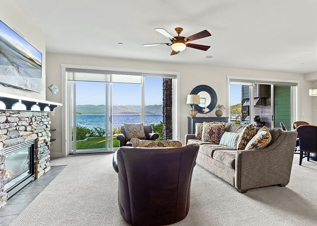 Townhome 508 - Main Living Room with Lake Views