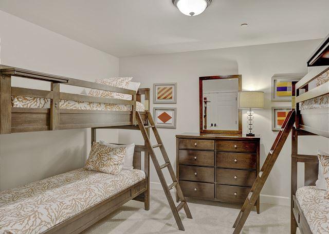Townhome 508 - Bunk Room (No Windows)