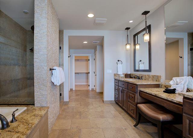 Townhome 508 - Master Bath