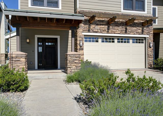 Townhome 508 - Main Entrance and Garage