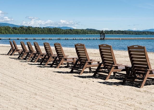 Seasons at Sandpoint - Beach Seating
