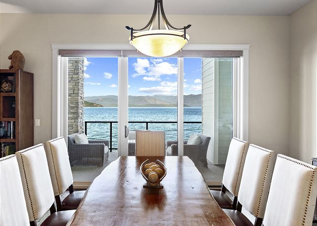 Townhome 508 - Formal Dining Space with Lake Views
