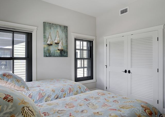 Townhome 508 - Guest Bedroom with 2 Twin Beds