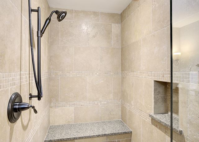 Townhome 508 - Guest Bath with Shower for Queen Bed Room