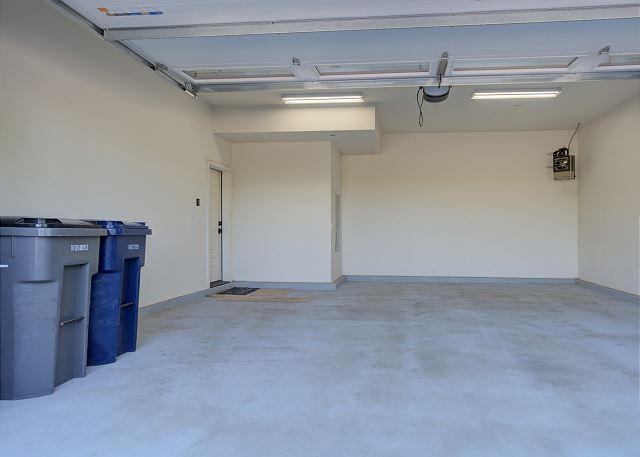 Townhome 508 - Garage