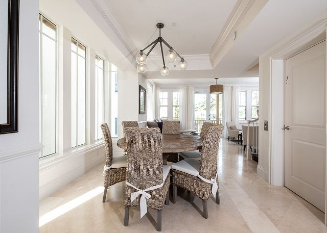 Residence #3822 - Dining Space