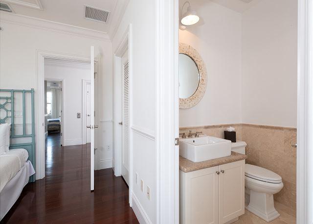 Residence #3822 - Upper Level En Suite Guest Bath