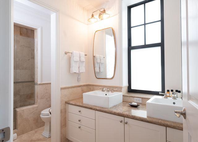Residence #3823 - En Suite Master Bathroom