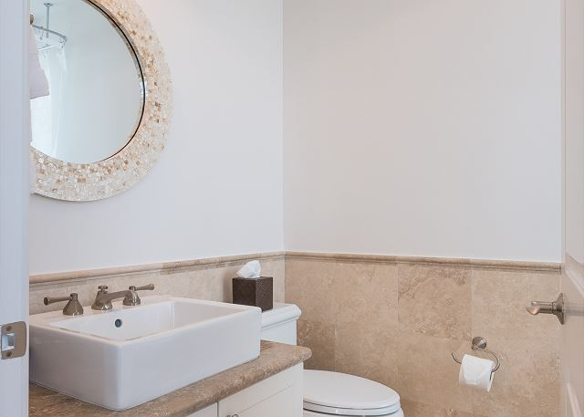 Residence #3823 - Upper Level En Suite Guest Bathroom
