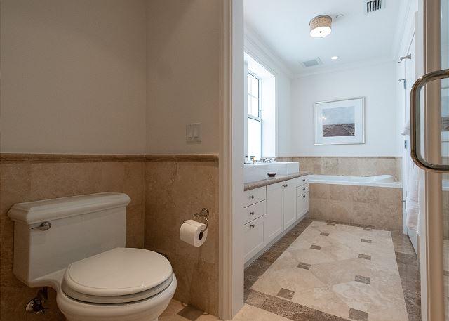 Residence #3824 - En Suite Master Bathroom