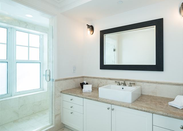 Residence #3824 - Lower Level En Suite Guest Bathroom