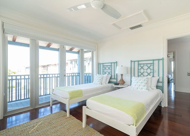 Residence #3826 - Upper Level Guest Bedroom