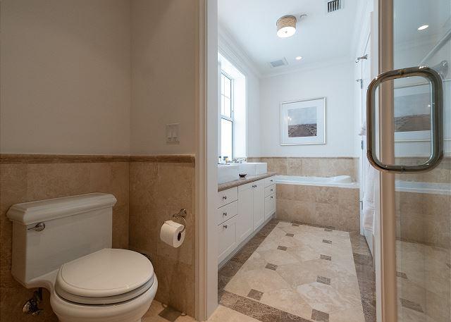 Residence #3826 - En Suite Master Bathroom