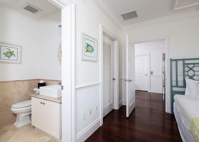 Residence #3828 - Upper Level En Suite Guest Bathroom