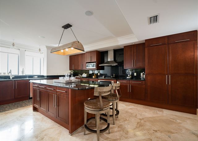 Residence #3825 - Fully Furnished Kitchen with Center Island