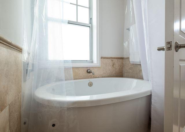 Residence #3825 - Upper Level En Suite Guest Bathroom