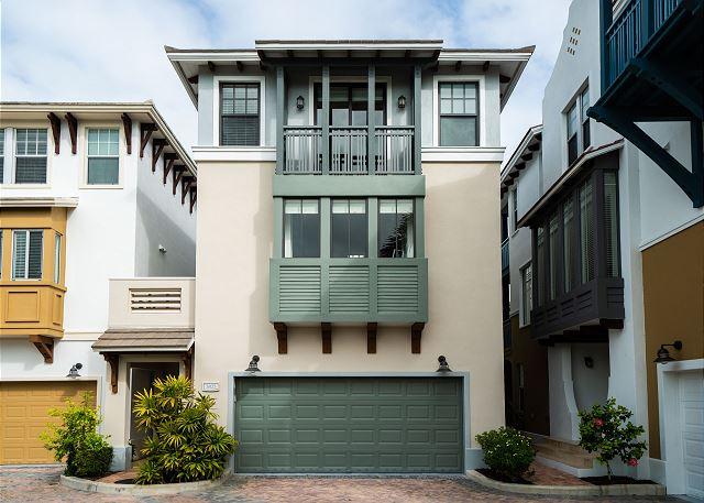 Residence #3825 - Garage