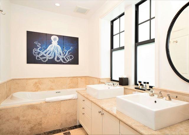Residence #3830 - En Suite Master Bathroom
