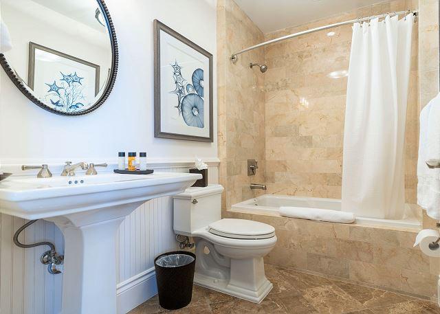 Residence #3819 - Upper Level En Suite Guest Bath