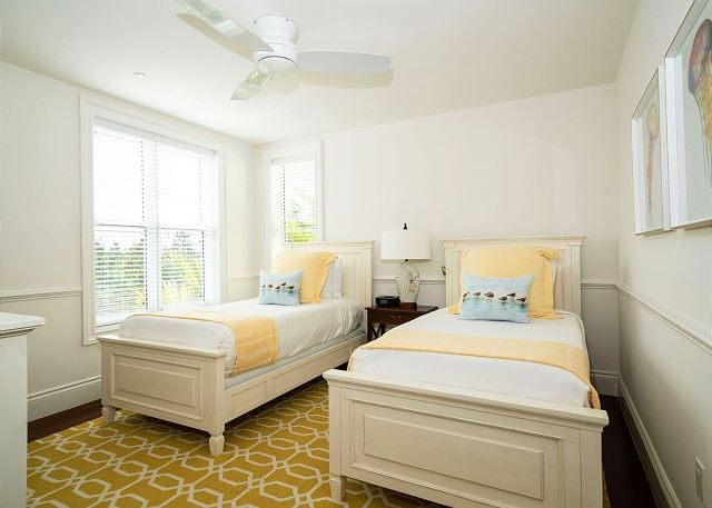 Residence #3819 - Upper Level Guest Bedroom with 2 Twin Beds