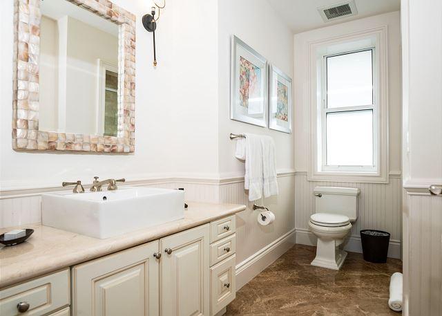 Residence #3819 - Upper Level Guest Bath