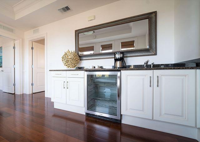 Residence #3819 - Upper Level Wet Bar