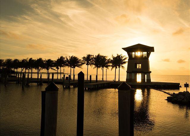 Marina Views - Sunset Tower at Sunset