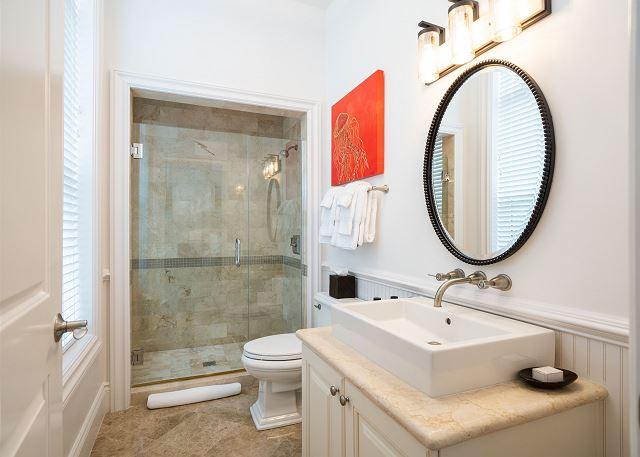 Residence #3840 - Second Floor En Suite Guest Bathroom