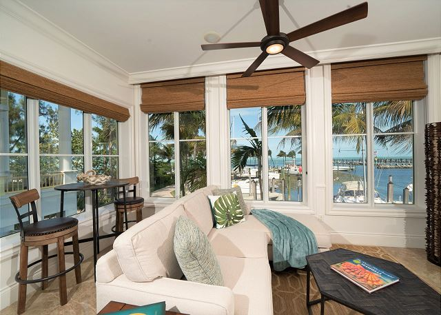 Residence #3840 - Living Area with Marina View